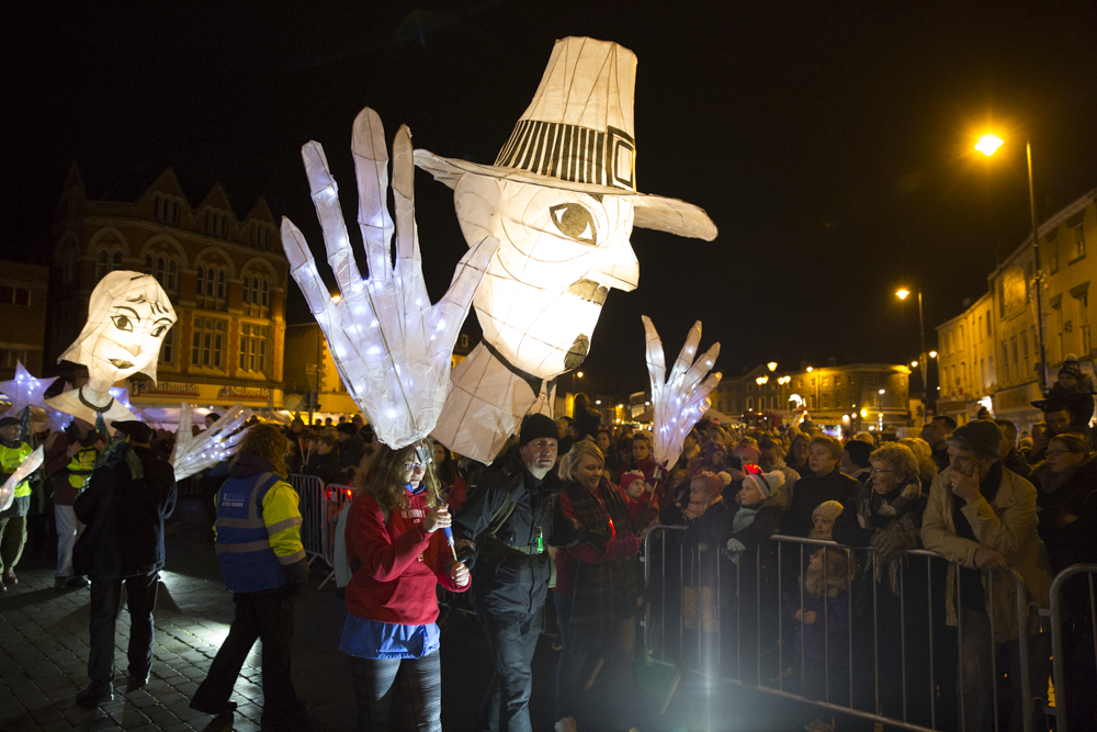 PIlgrim Lanterns for Mayflower400 parade. Photo credit Electic egg